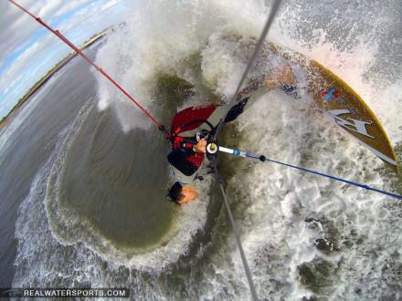 Matt Nuzzo kitesurfing at the lighthouse - 11/04/2013