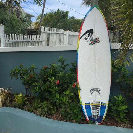 Puddle Jumper Round Pin at Villa Sessions, Puerto Rico